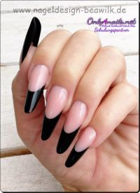 Schwarze French Nägel Nageldesign