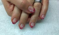 Shellac - French in rosa mit Blumen Nageldesign