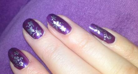 Silverstamp auf lila