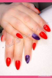 Spring-Red & Purple-Cateye... Nageldesign