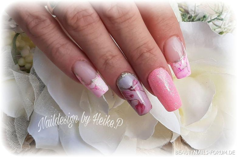 Summer in Rosa Nageldesign rosa gold weiss - Farbgel weiß und Rosa wraps und ink color Nailart