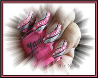 Waves Nageldesign