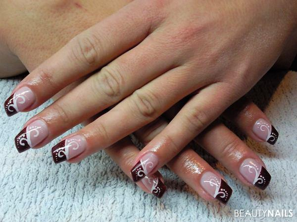 weinrot nailart muster nageldesign. Black Bedroom Furniture Sets. Home Design Ideas