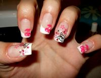 White French with cute Skulls, Stars & Cherries Nageldesign