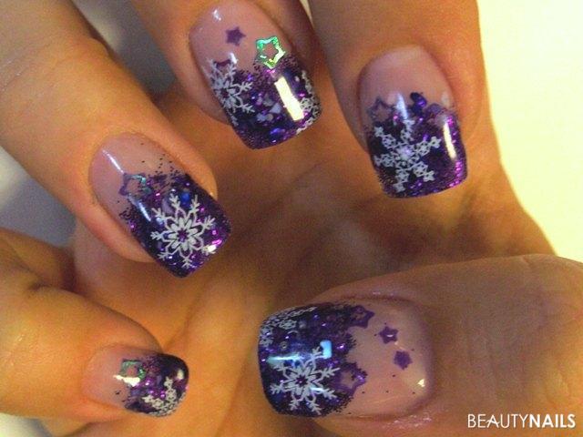 Winterdesign in lila - diesmal meine, da die Kunden alles so dezent wollen.. :( Nageldesign