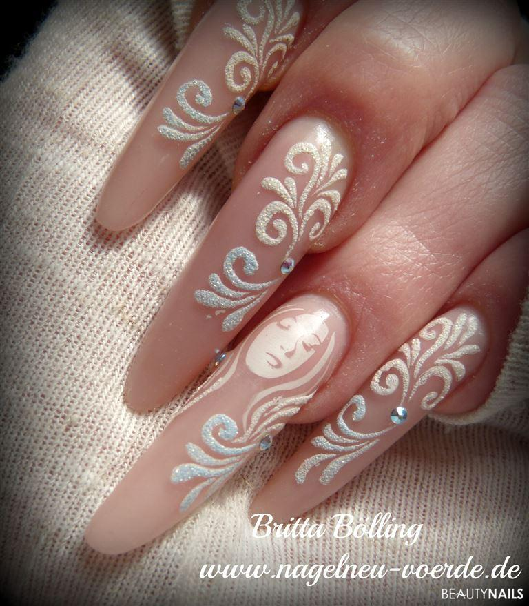 Matt look mit sand style stilettos for Nageldesign matt