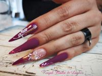 Stiletto Nailart in Lila Stilettos
