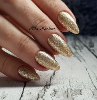 Silvester glamour look in Gold Winter & Weihnachten