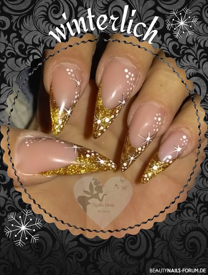 winterlich goldene Glitzernägel