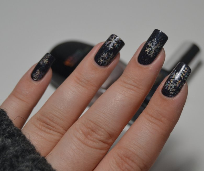 Snowflakes Glam Nails Challenge in Nageldesign