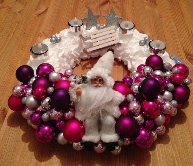 bild weihnachtskranz basteln in pink small talk plauderecke offtopic. Black Bedroom Furniture Sets. Home Design Ideas