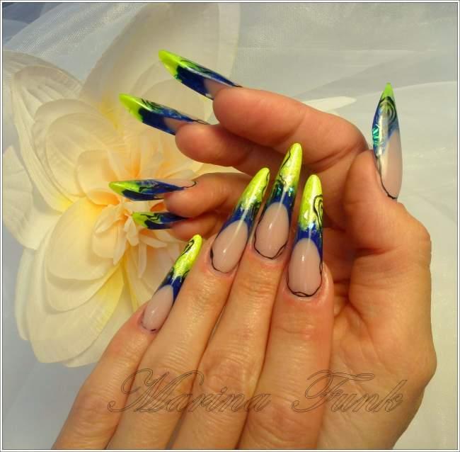 Urlaubsnägel - Gel / blau Russian Almond von Marina Funk in Nageldesign