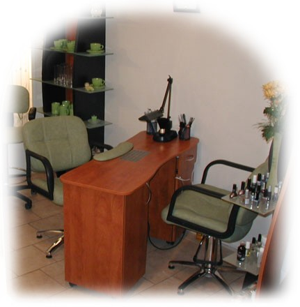 arbeitstisch vom schreiner ger te zubeh r studiodekoration. Black Bedroom Furniture Sets. Home Design Ideas