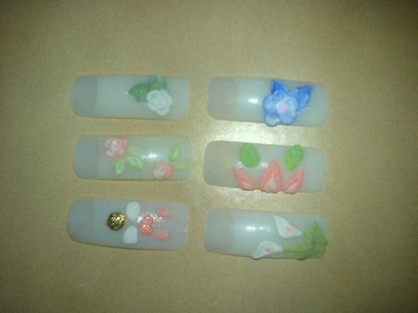 Acryl probiert in Nageldesign