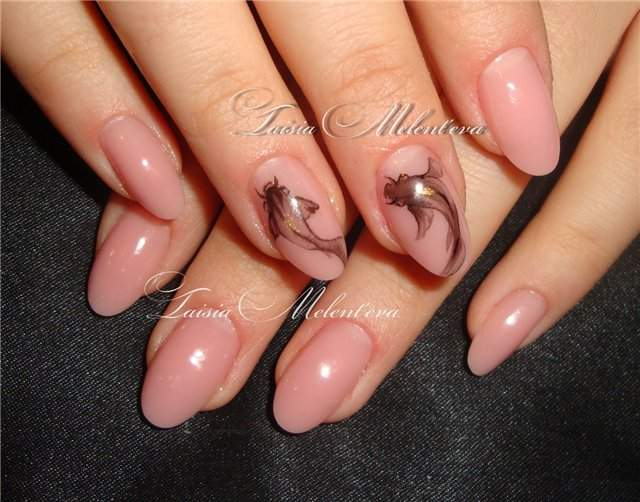 Bild Oval Nageldesign