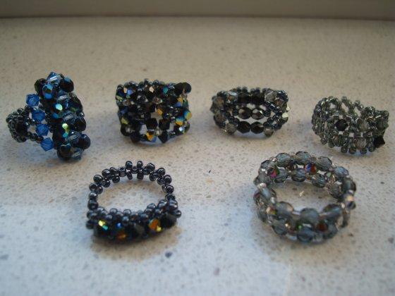 Bild ringe schwarz - Ein anderes Hobby von mir - Perlenringe basteln ...