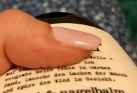 Farbe: Nude Lavendel, Firma Jolifine - hielten 3 Wochen. Studionägel halten nicht, woran kann das liegen? in Gelnägel