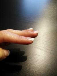 Linke Hand Aufbau French mit Tips in Anfänger Nageldesign