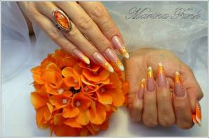 7. fertig Glühwürmchen in Orange - Naildesign Anleitung in Nageldesign & Modellage Anleitungen