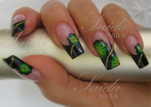 Acrylfarbenmalerei im 70er Design - Step by Step in Nageldesign & Modellage Anleitungen