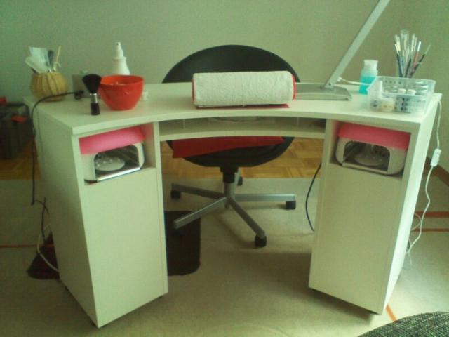 nageltisch kt 03 mit staubabsaugung verkauft. Black Bedroom Furniture Sets. Home Design Ideas